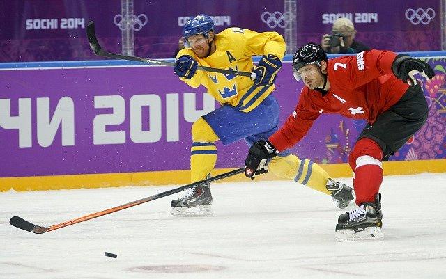 Daniel Alfredsson na snímku z roku 2014. Zápas Švédska proti Švýcarsku