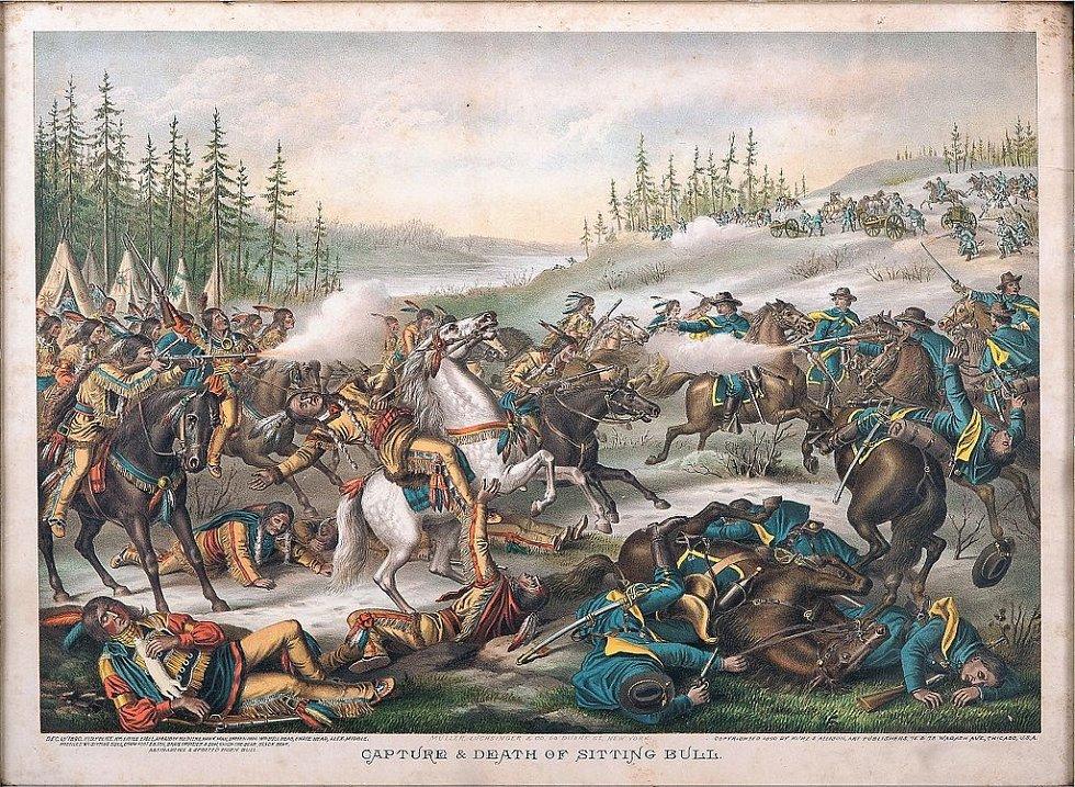 Nepřesné ztvárnění smrti Sedícího býka z roku 1890. Ve skutečnosti byl zastřelen zezadu poté, co jej příslušníci indiánské policie vyvedli z jeho chýše