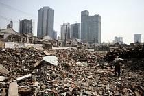 Demolice výškových budov - ilustrační foto.
