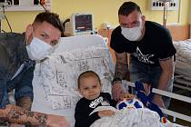 Fotbalisté Baníku Ostrava navštívili nemocné děti
