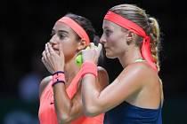 PÁR ČÍSLO JEDNA. Caroline Garciaová (vlevo) a Kristina Mladenovicová letos prožily skvělou sezonu.
