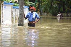Kvůli povodním v indické Kérale bylo evakuováno 725 tisíc lidí.