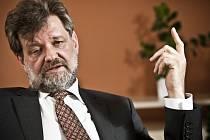 Ministr vnitra Jan Kubice.