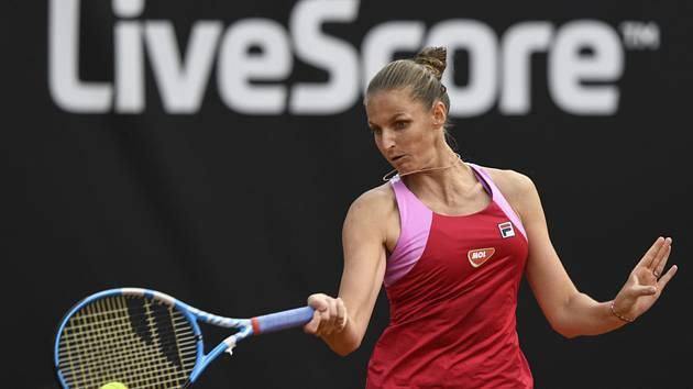 Karolína Plíšková v utkání proti Kateřině Siniakové.