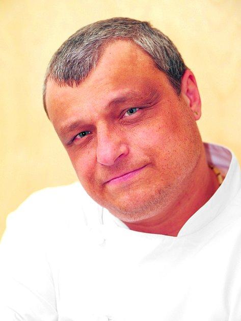 Roman Vaněk patří knejznámějším českým kuchařům, kteří se snaží pozvednout úroveň českého kulinaření.
