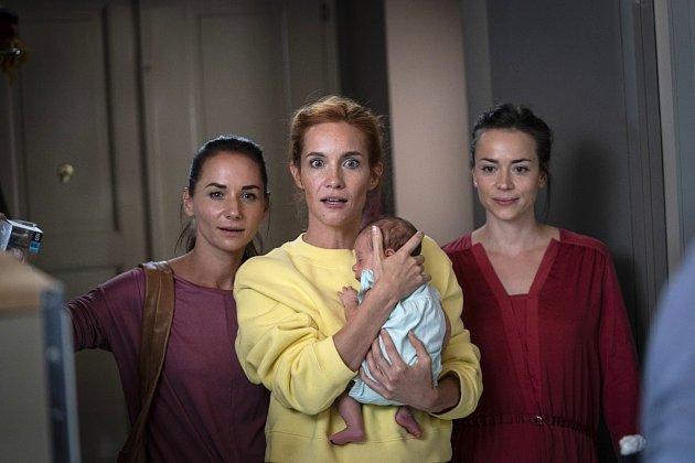 Matky. Zleva Sandra Nováková, Hana Vagnerová a Gabriela Marcinková