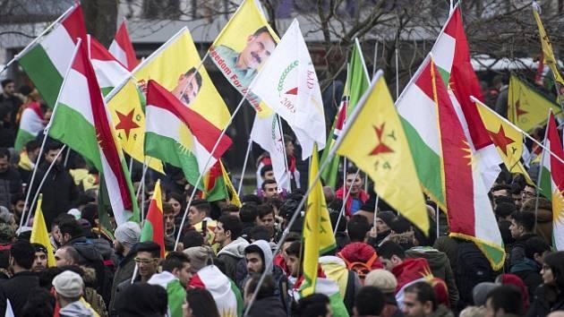Kurdská demonstrace v Kolíně nad Rýnem