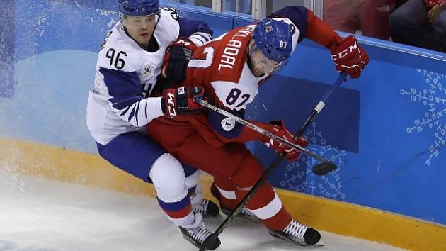 Jakub Nakládal (v červeném) bojuje s Shinem Sangwoo.