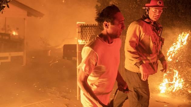 Požár zachvátil i okolí jihokalifornského Malibu