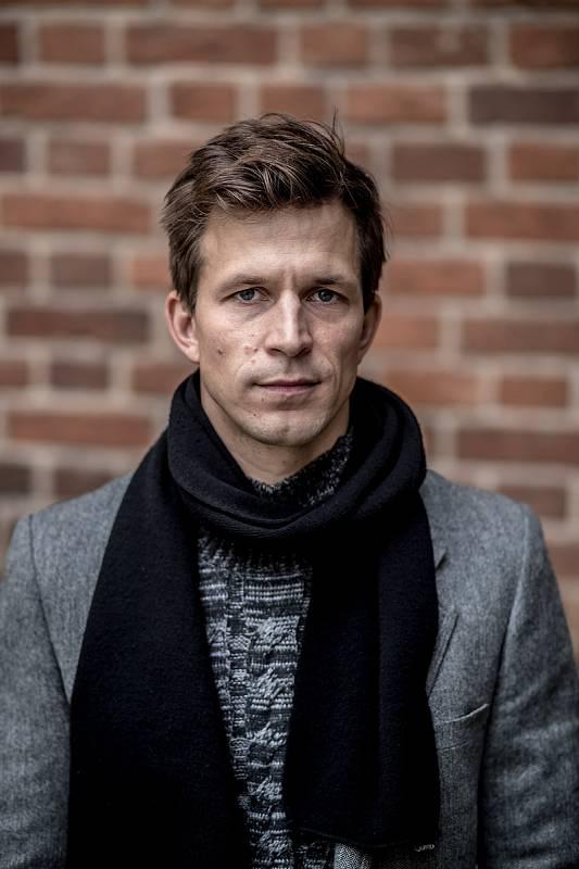Herec Igor Orozovič.