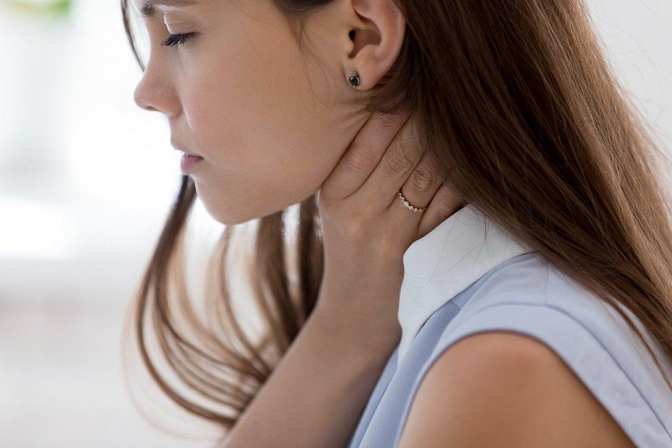 Pokud rýma přetrvává delší dobu, obraťte se raději na lékaře. Někdy může jít o alergii nebo závažné onemocnění