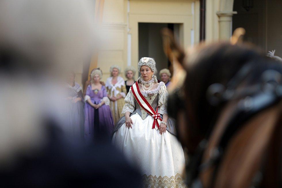 Představitelka hlavní role, německá herečka Ursula Strauss, která představuje závěrečné období života panovnice Marie Terezie.