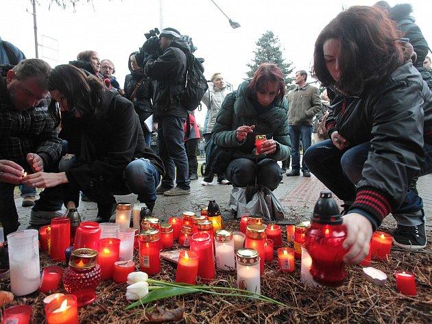 Pietní akt po střelbě v restauraci Družba v Uherském Brodě. Ilustrační foto