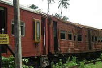 Vlak zasažený vlnou tsunami, Srí Lanka