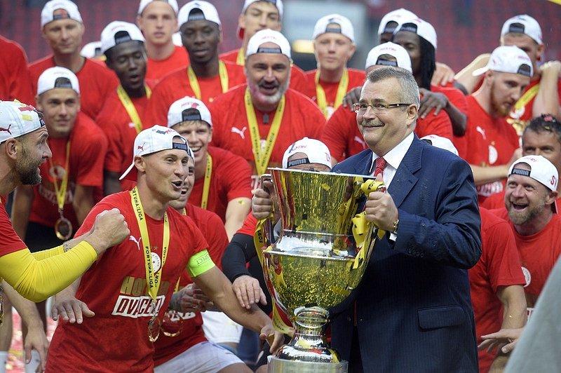 Slavia Praha ovládla fotbalovou ligu