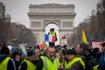 Protesty takzvaných žlutých vest na pařížských Elysejských polích