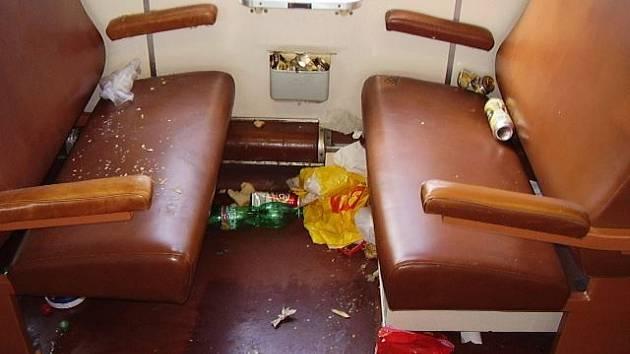 Nepořádek ve vlaku