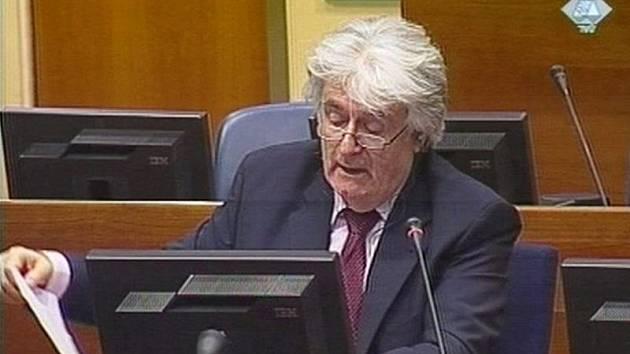 Radovan Karadžič u Mezinárodního trestního tribunálu pro bývalou Jugoslávii (ICTY) v Haagu.