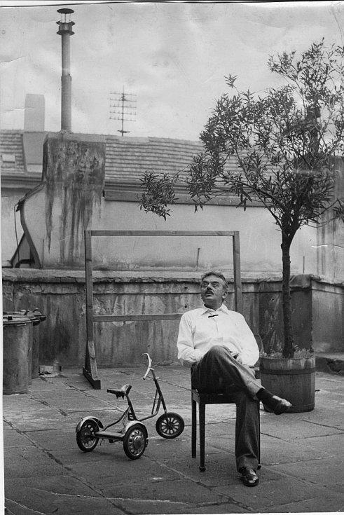 Divadelník Emil František Burian