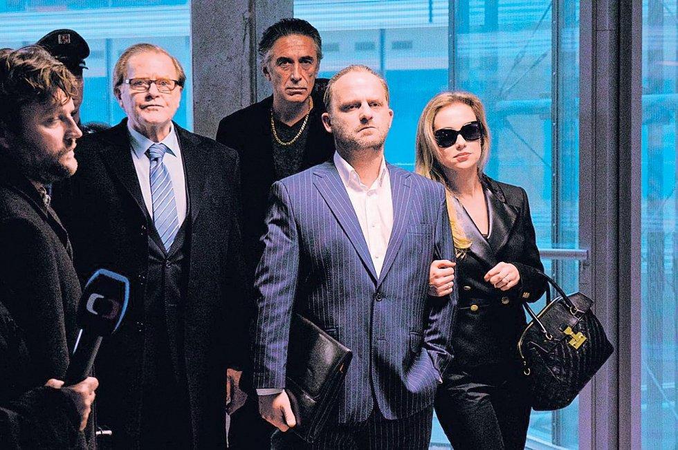 Vlastina Svátková si v kriminálním dramatu Gangster Ka (2015) zahrála manželku titulního hrdiny v podání Hynka Čermáka.