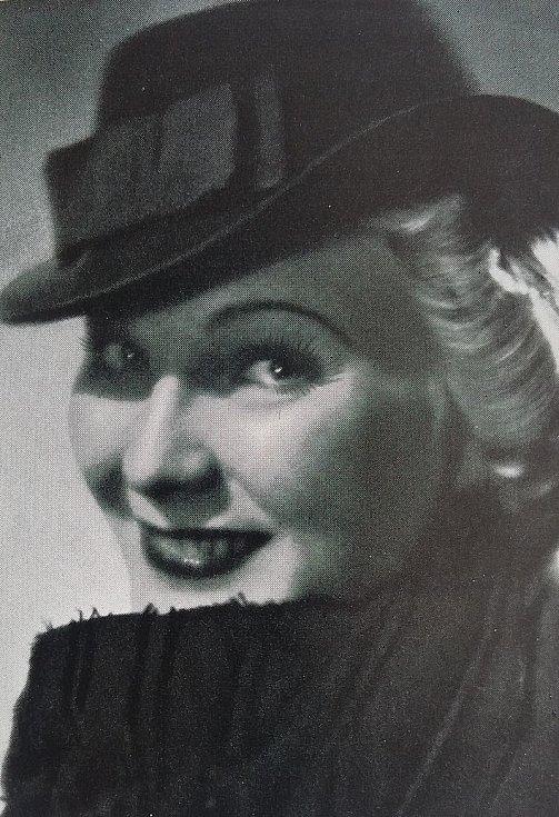Jiřina Štěpničková před rokem 1937