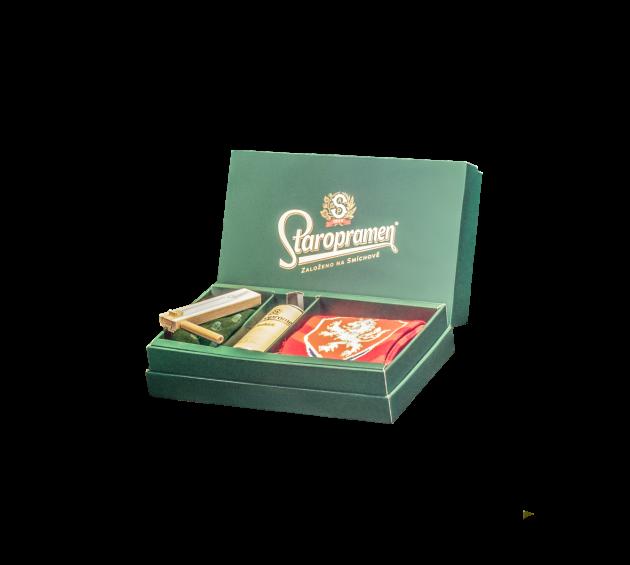 Pět výherců získá tento originální fanouškovský box obsahující také Staropramen Ležák.