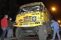 Aleš Loprais za volantem Tatry při odjezdu na Rallye Dakar 2008, která byla nakonec zrušena.