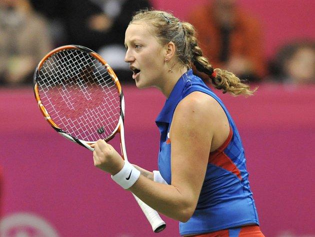 Petra Kvitová se raduje. Získala pro česko třetí bod k postupu do semifinále Fed Cupu.