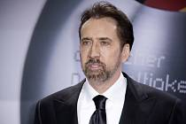 I Nicolas Cage má svého dinosaura