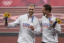 Olympijští medailisté Jakub Vadlejch a Vítězslav Veselý.