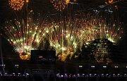 Ohňostroj při slavnostním zakončení olympijských her v Pchjongčchangu.