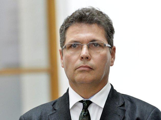 Trojkoalice ukázala, že má asi jiné potenciální koaliční partnery, řekl po jednání předseda klubu, odvolaný radní Michal Hašek.