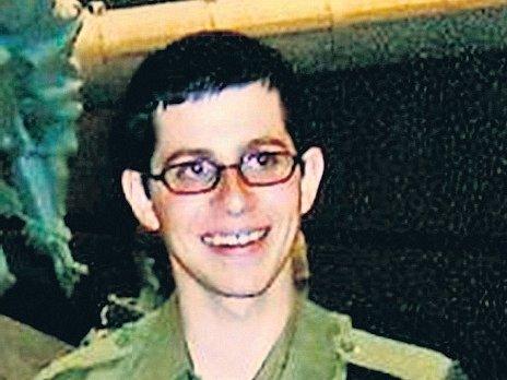 Izraelský voják Gilad Šalit na fotografii z vojenského výcviku.