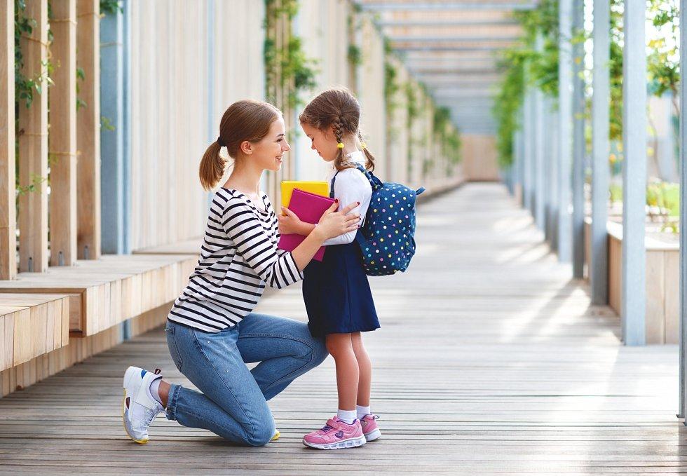 Největší tlak koncem srpna a začátkem v září nebude na děti, jak by se mohlo zdát, ale na jejich rodiče.