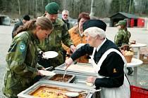 Každá švédská vojenská jednotka by do roku 2016 měla mít vlastního genderového poradce, který bude pomáhat s naplňováním vládního programu zrovnoprávnění mužů a žen v armádě.