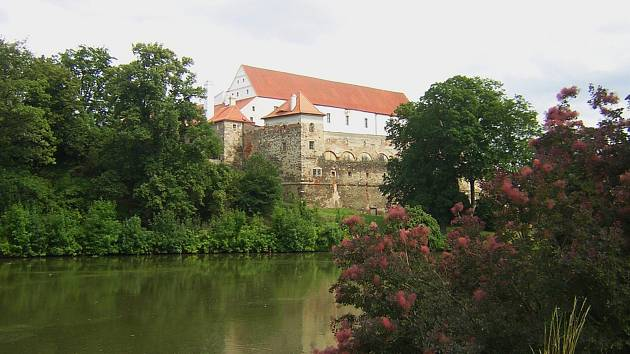Krásný park u zámku v Horšovském Týně
