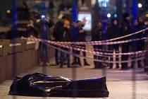 Vrah Němcova zastřelil nedaleko jeho bytu.