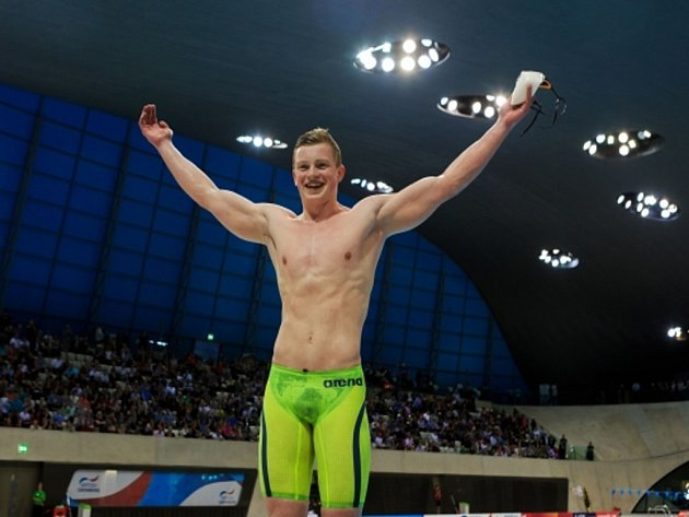Adam Peaty zaplaval světový rekord na 100 metrů prsa.