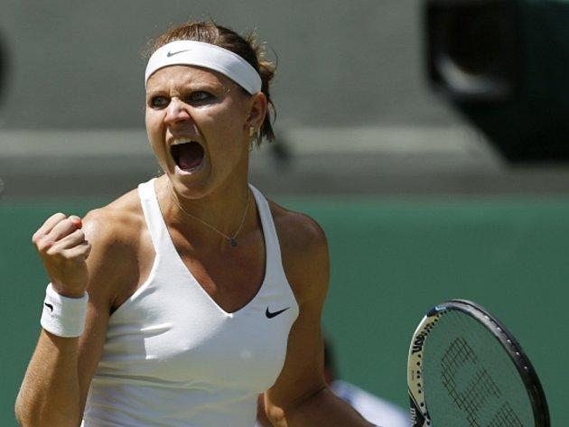 Lucie Šafářová v semifinále Wimbledonu.