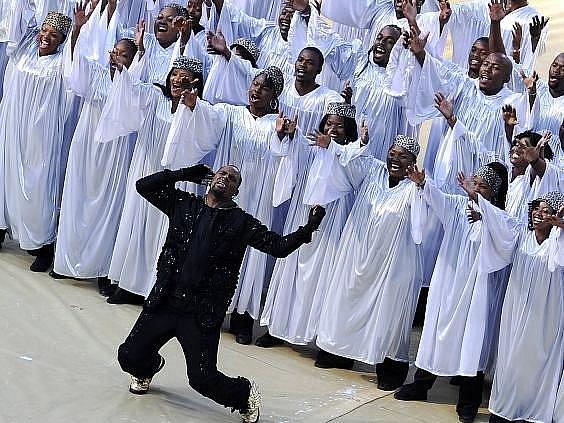 V Jihoafrické republice bylo slavnostním ceremoniálem zahájeno fotbalové msitrovství světa 2010.