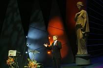 V Národním divadle v Praze proběhlo dne 29. března 2008 slavnostní vyhlašování cen Thálie 2007.