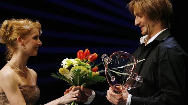 Michal Štípa přebírá cenu Thálie 2007.