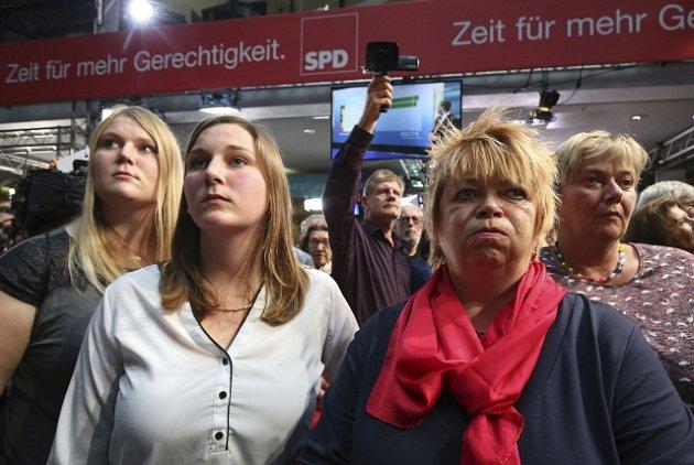 Na straně příznivců sociálnědemokratické SPD zavládlo zklamání