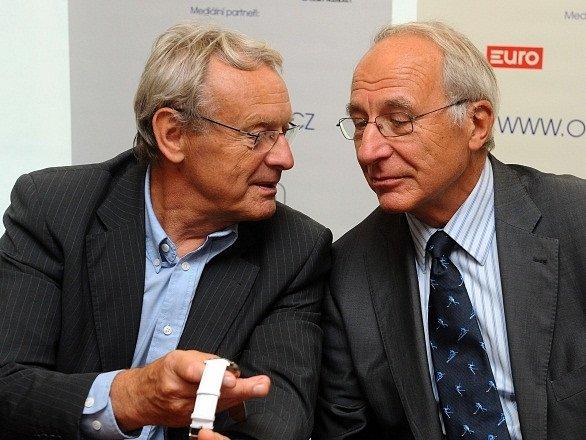 František Dvořák (vlevo) s předsedou ČOV Milanem Jiráskem.