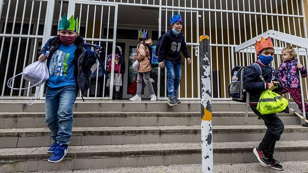 Školáci opouští ZŠ v Ústí nad Labem