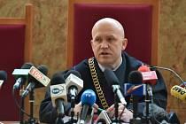 Soud v polském Krakově dnes odmítl vydání filmového režiséra Romana Polanského do USA, kde je stíhán kvůli sexuálnímu styku s nezletilou z roku 1977.