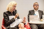 První z debat Hospodářské komory kandidátů v nadcházejících volbách proběhla 6. září v Praze. Na snímku Hana Landová z HK.