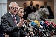 Jednání o důvěře vlády v Poslanecké sněmovně 16. ledna v Praze. Jaroslav Faltýnek, Taťána Malá