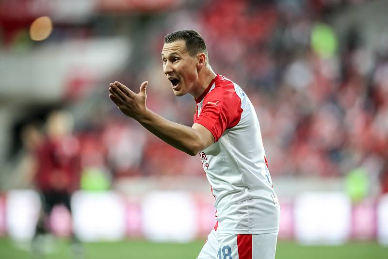 Zápas semifinále poháru MOL Cup mezi Slavia Praha a Sparta Praha hraný 24. dubna v Praze. Jan Bořil