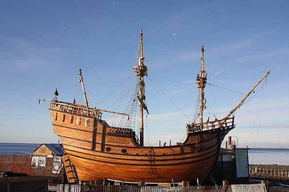 Moderní replika lodi Victoria, náležející chilskému námořnímu muzeu